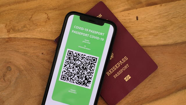 Check out the best vaccine passport apps 🛃