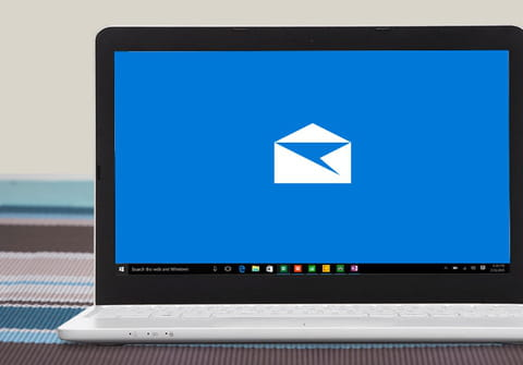 How to customize Mail app settings on Windows 10