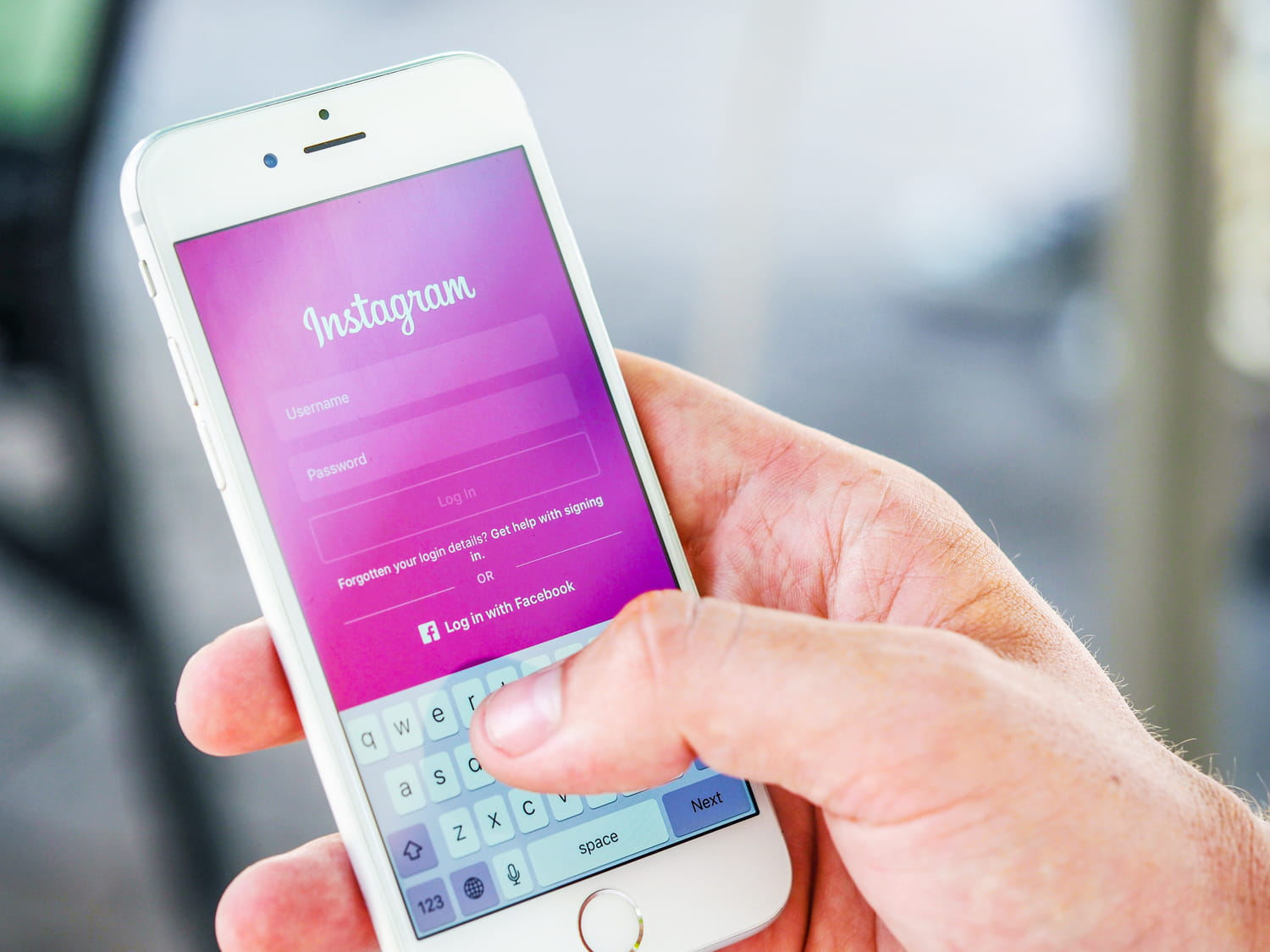 Reset Instagram password without email, using Facebook