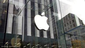 Apple Plans 50% Newspaper Revenue Grab
