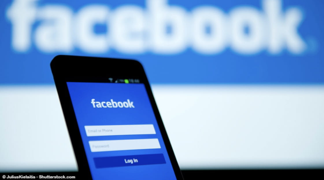 Facebook Denies Seeking User Bank Data